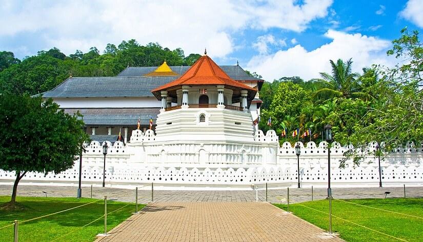 Temple of the Tooth Kandy Sri Lanka, Pilgrimage Destinations In Sri Lanka