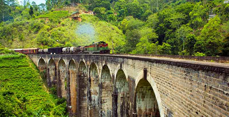 9 Arch Bridge in Ella Sri Lanka